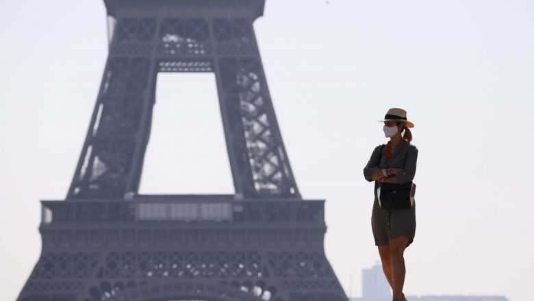 Francia analiza endurecer reglas de COVID-19