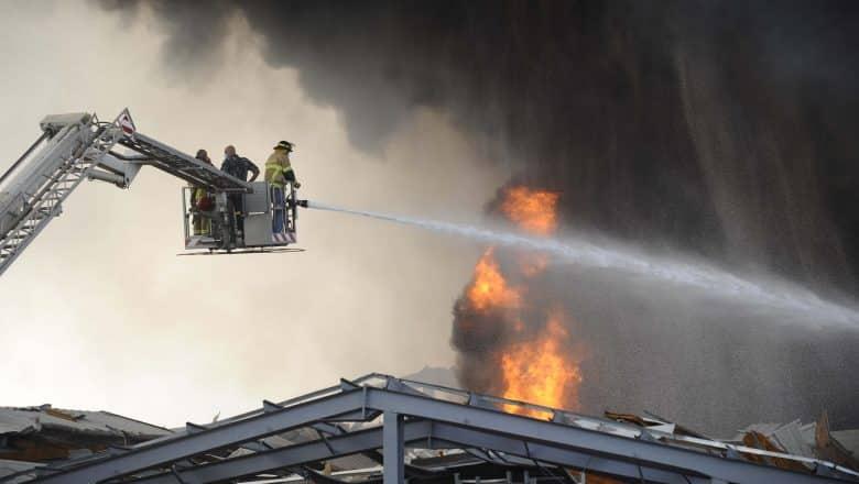 Presidente libanés: Acto de sabotaje puede haber sido la causa de incendio de hoy en Beirut