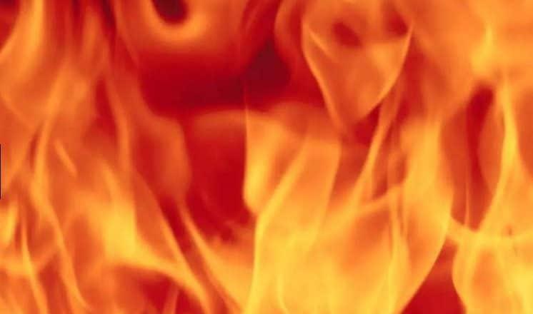 Incendio causa muerte 3 niños en campamento refugiados Idlib, Siria