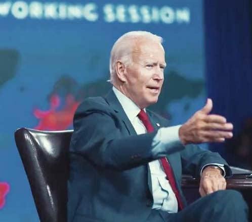 Biden dice próximo debate no debería realizarse si Trump aún tiene COVID-19