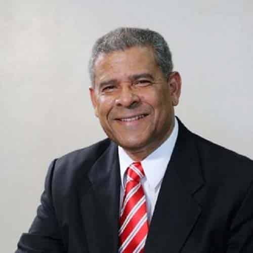 ministro de Administración Pública Darío Castillo Lugo