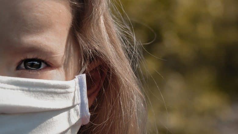 EEUU reporta cerca de 480.000 casos de niños con COVID-19