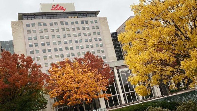 Farmacéutica Eli Lilly de EEUU pausa pruebas
