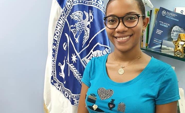 Estudiante UASD Santiago es galardonada
