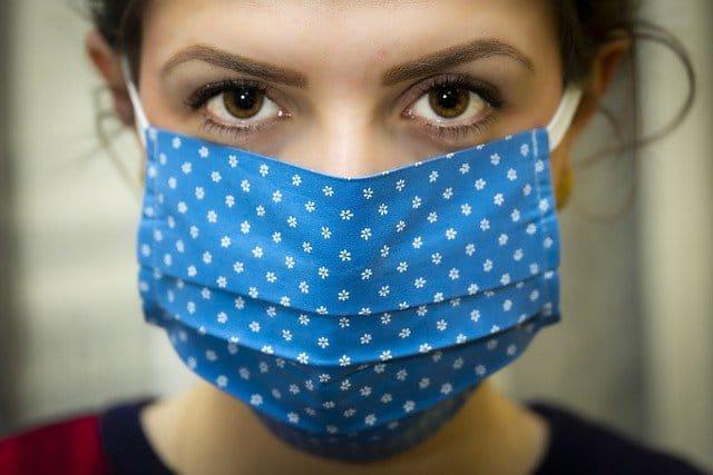 Prevalencia anticuerpos coronavirus disminuye en Inglaterra