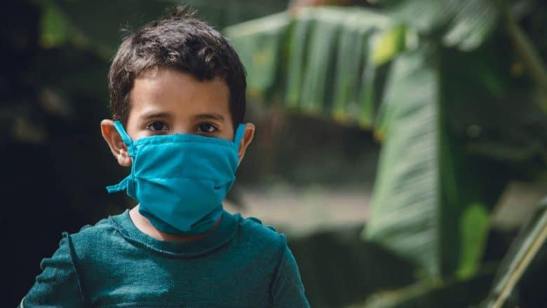Más de un millón de menores contagiados de covid-19 en EE.UU.