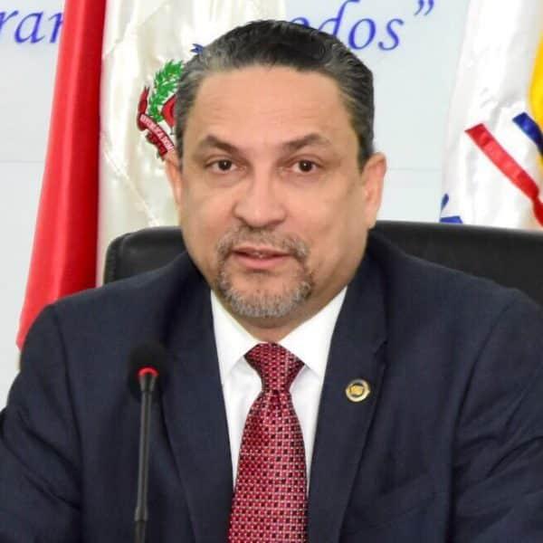 César Prieto se suicida de disparo a la cabeza