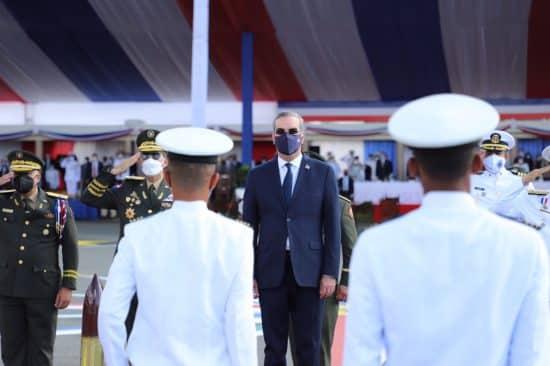 presidente luis abinader militares