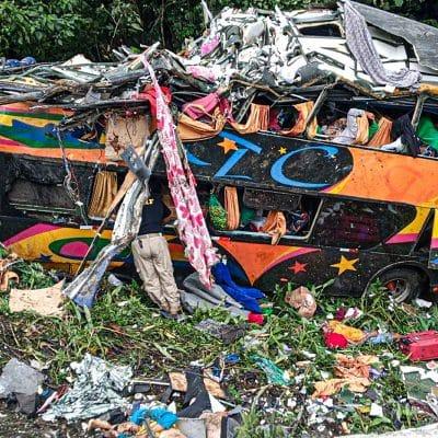 Aumentan a 21 muertos y 33 heridos accidente Brasil