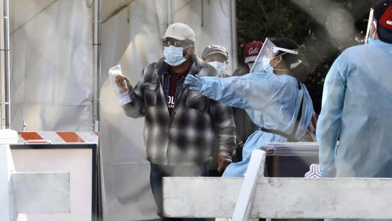 """Sistema sanitario EE. UU. podría experimentar """"colapso total"""""""