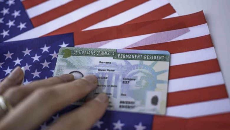 Modifican tarjeta residencia permanente EE.UU