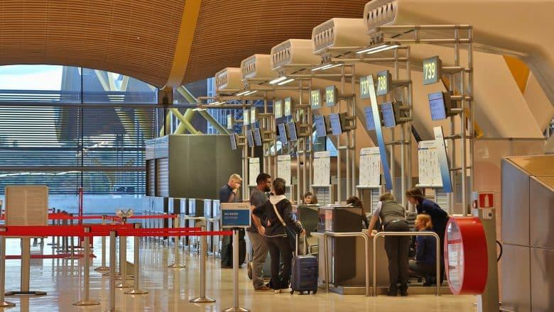 España recibió en noviembre 90,2% menos turistas