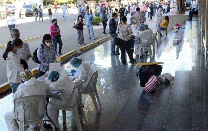 Realizan pruebas PCR varios sectores de Santiago