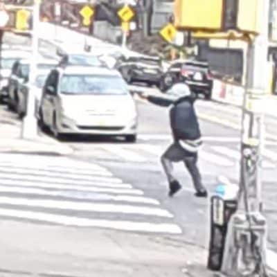 Policía NY persigue dominicanos por tiroteos