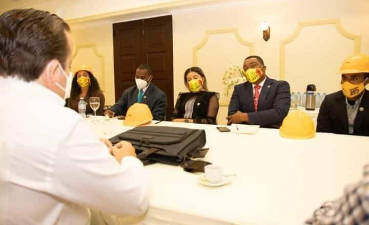 Botello acude a reunión a Palacio Nacional