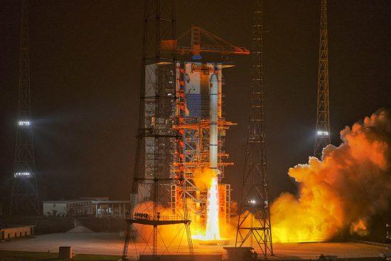 satélites en órbita