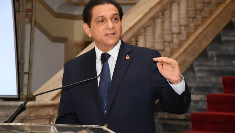 Ministro de Salud preocupado por contagios en La Vega