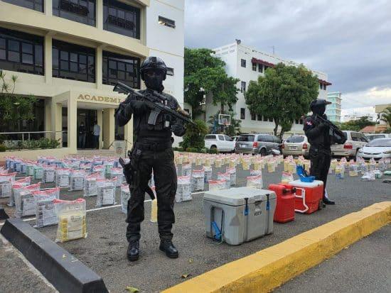 897 paquetes de cocaina