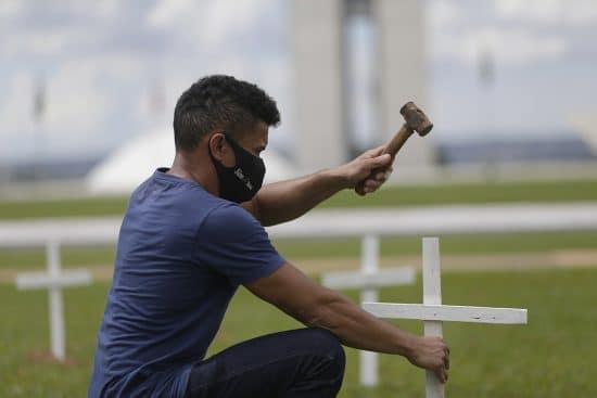 BRASIL-BRASILIA-COVID-19-PROTESTA