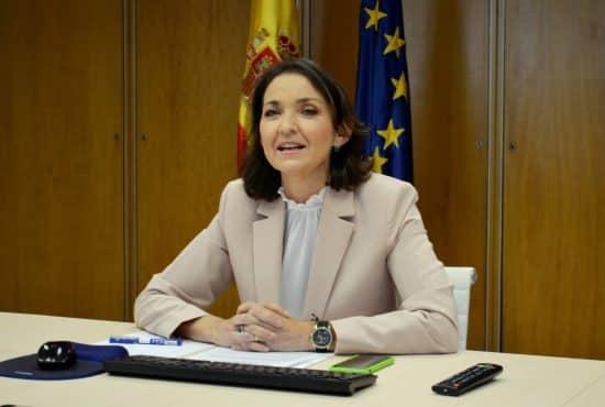 ministra española Reyes Maroto
