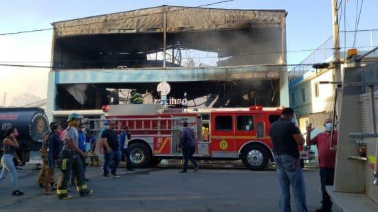 plaza comercial mao incendio