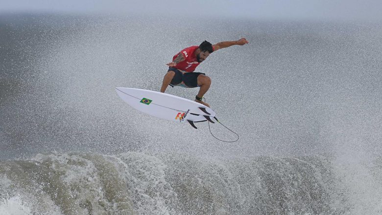 Ferreira se convierte en primer campeón olímpico de surf