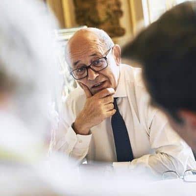 Francia acusa a Australia y EEUU de mentir