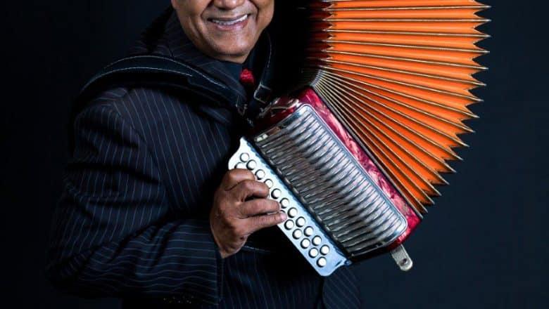 Francisco Ulloa celebra 50 aniversario