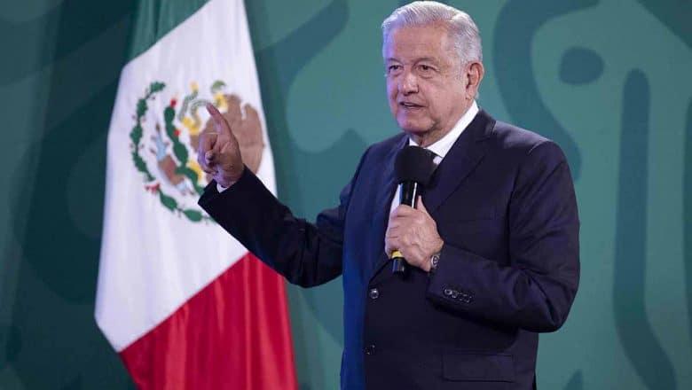 López Obrador llamado a OMS acelerar aprobación de vacunas