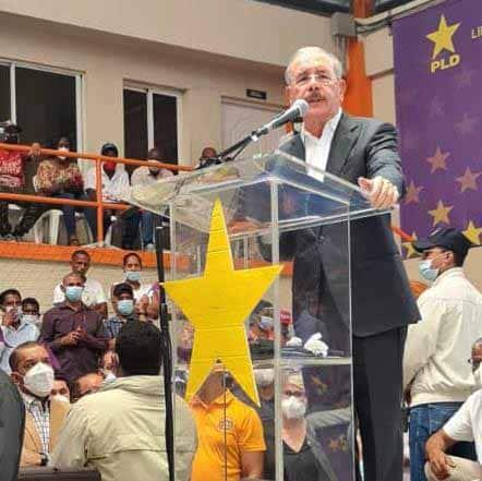 Danilo Medina saldrá otra vez a las calles el domingo